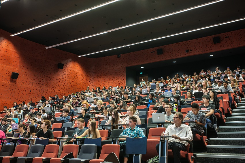 AUT students sit in the WG lecture hall
