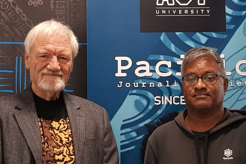 Professor David Robie and Pacific Media Watch project contributing editor Sri Krishnamurthi.