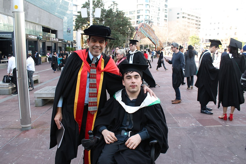 Dr Antonio Díaz Andrade and David Lincoln at graduation