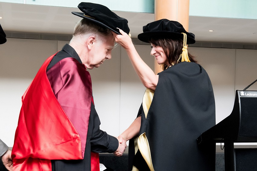 Max Gimblett accepts honorary doctorate